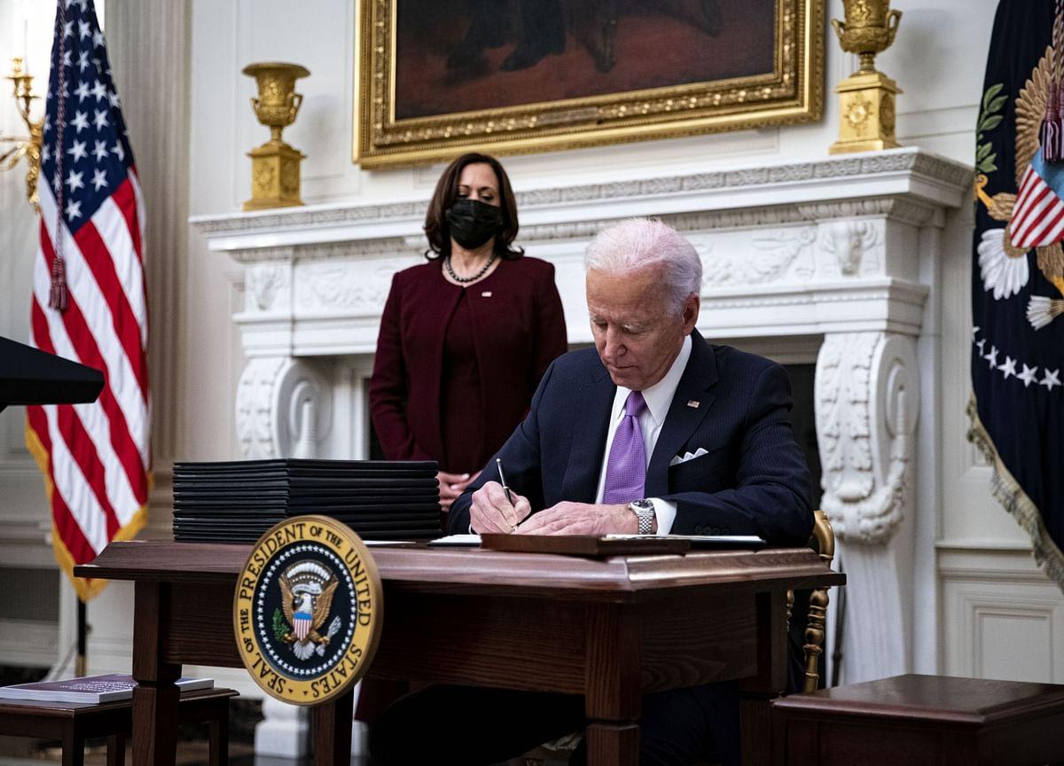Biden Unveils Virus Plan But Says 100,000 May Die in Next Month