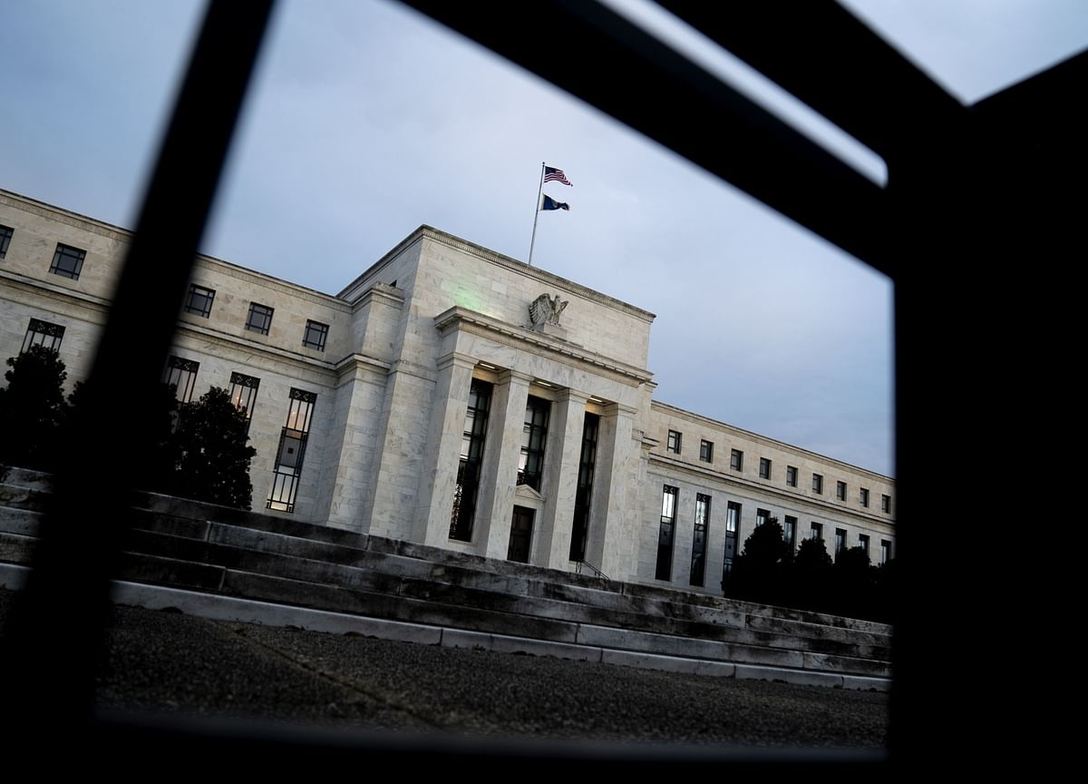 Summers Says Fed May Be Forced to Raise Interest Rates Next Year