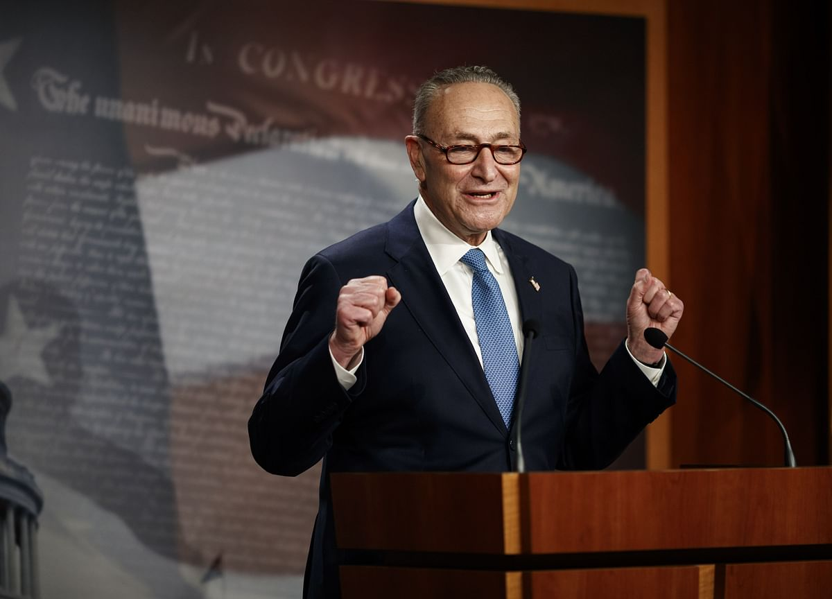 Schumer Exploring Emergency Session for Senate Impeachment Trial