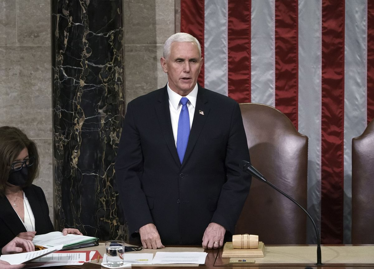 Pence Won't Act to Remove Trump, Says Nation Needs Healing