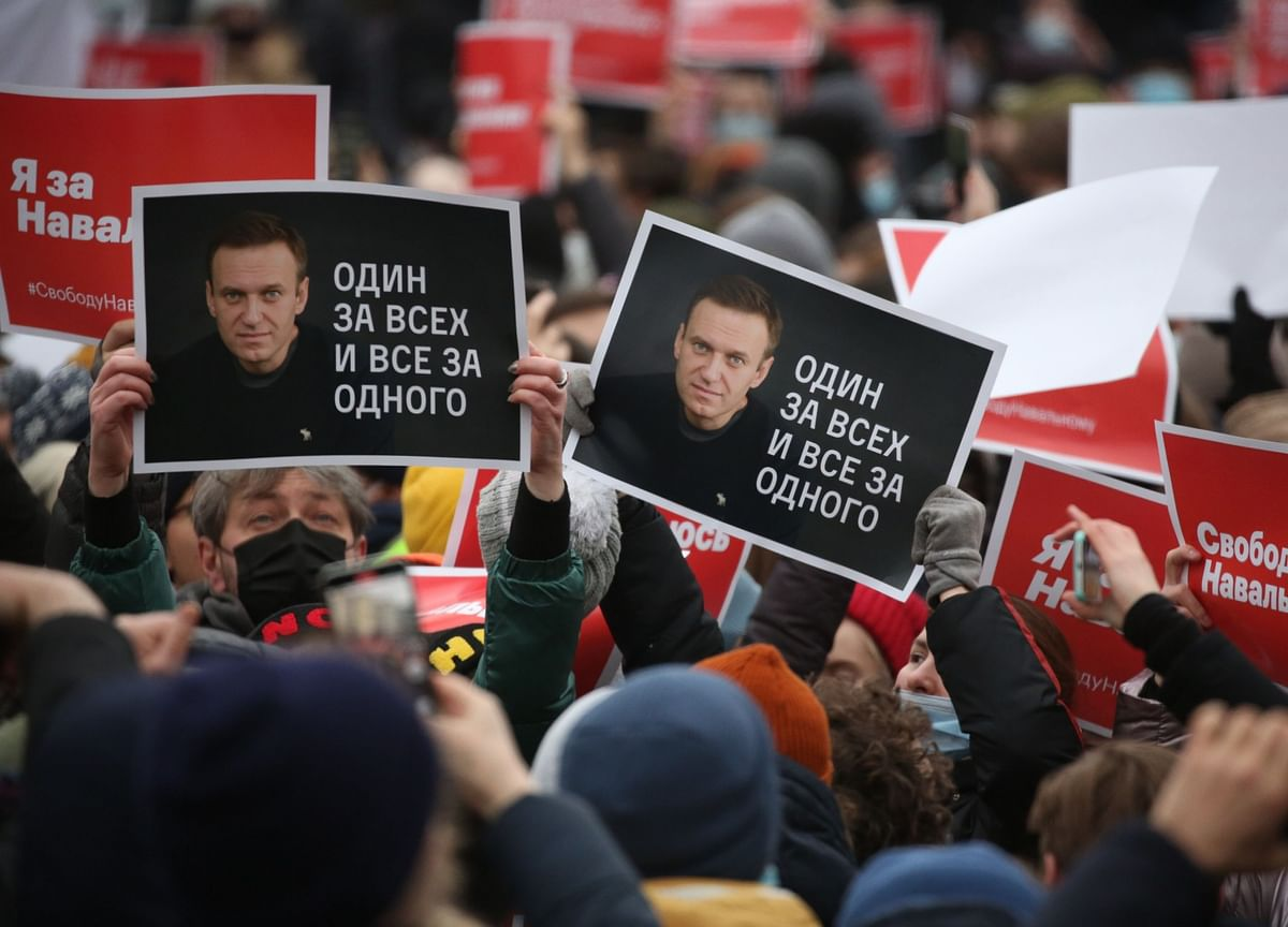When Life Is A Trashy Thriller: Dissent Tips From Alexey Navalny