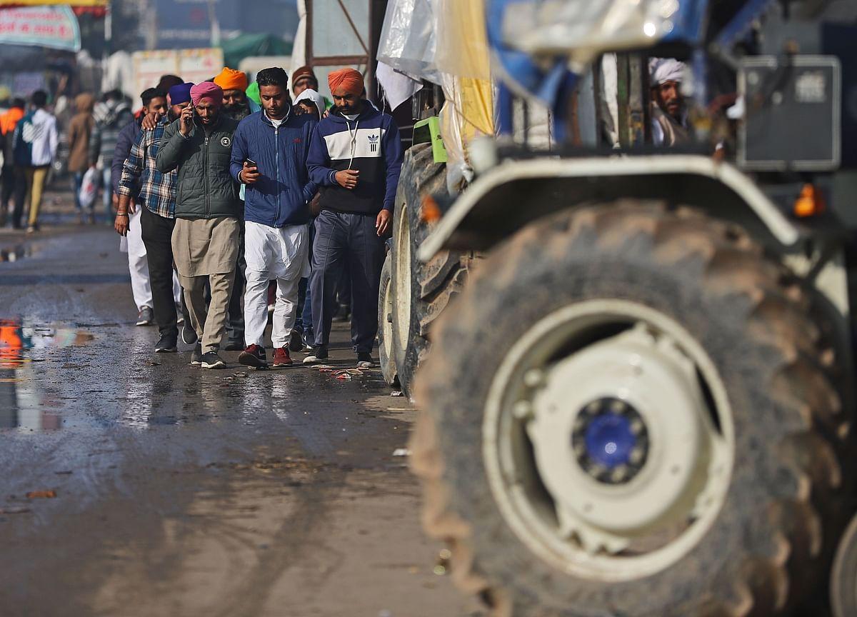 Farmer Groups Break Barricade At Singhu And Tikri Border Points
