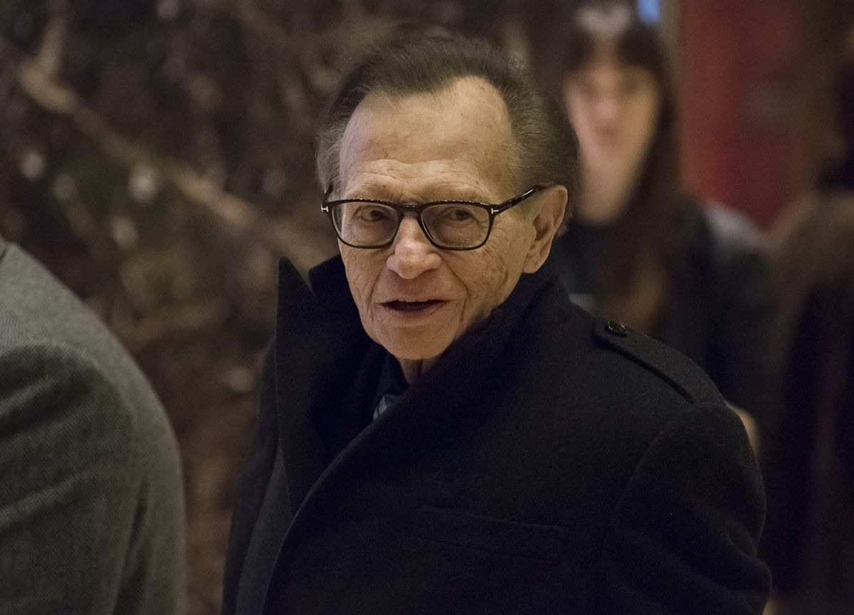 Larry King, TV Host Who Interviewed Presidents, Dies at 87