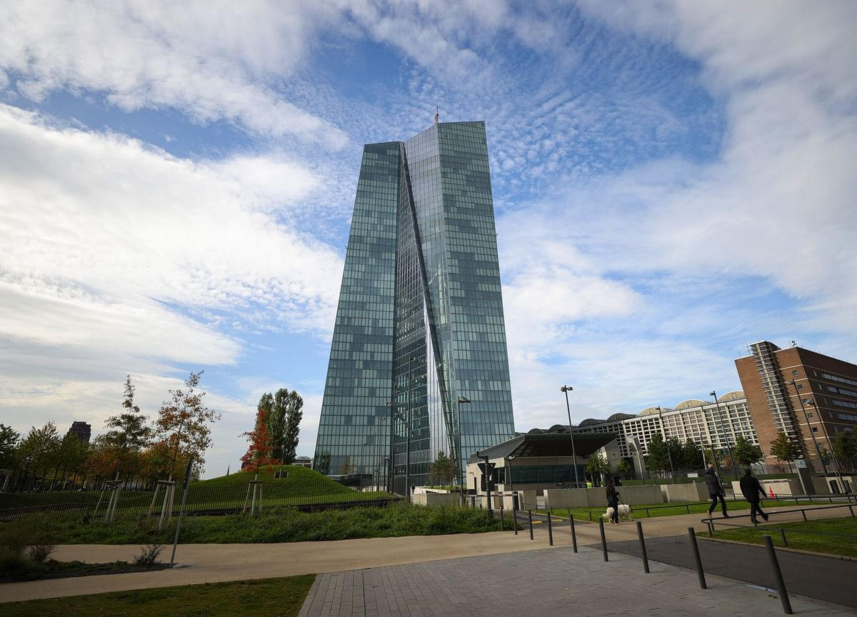 ECB Pandemic Purchases Stay Muted Amid Drag of Maturing Debt