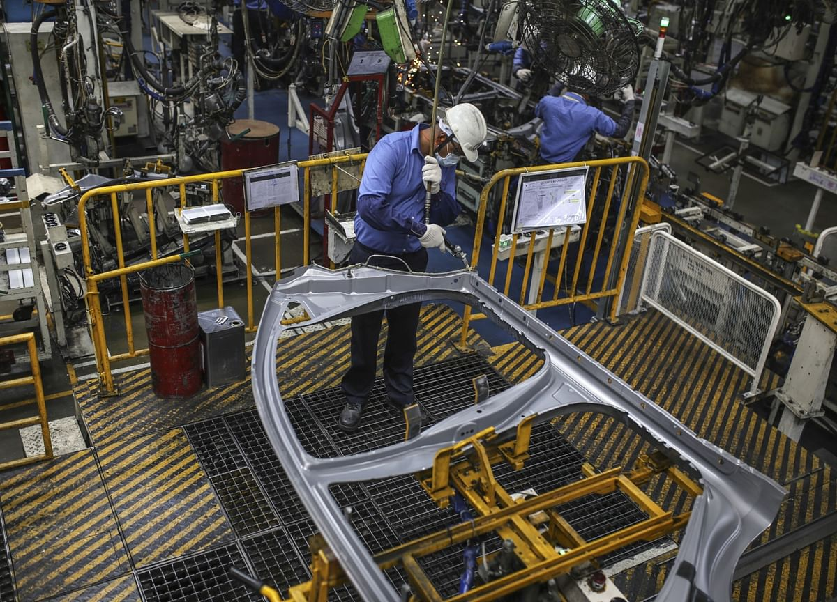 India's Manufacturing PMI Remains Stable In December