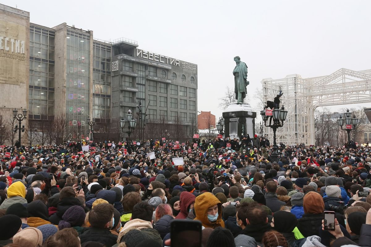 Crowds gather in support of Alexey Navalny, in Moscow, Russia, on Jan. 23, 2021. (Photographer: Andrey Rudakov/Bloomberg)