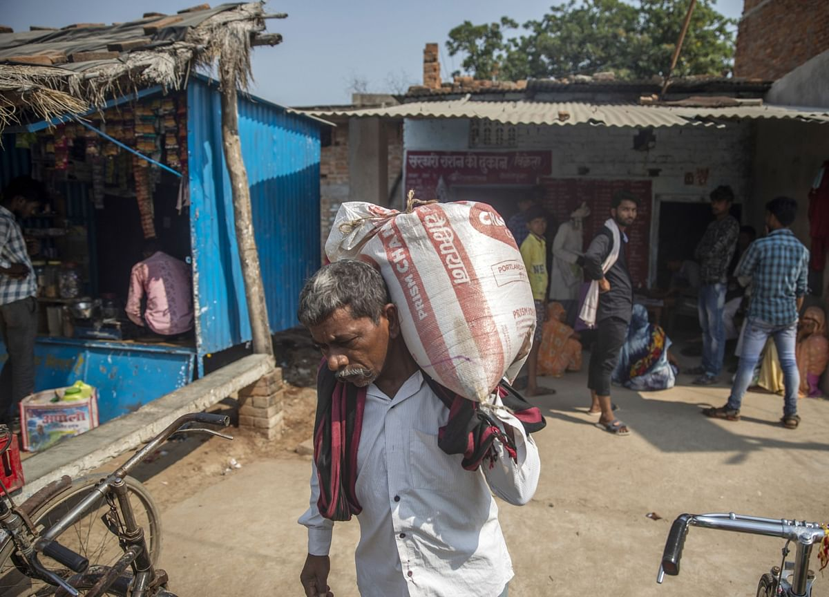 India's Poor Are Eating Into Their Savings, Thanks To High Inflation And Covid-19