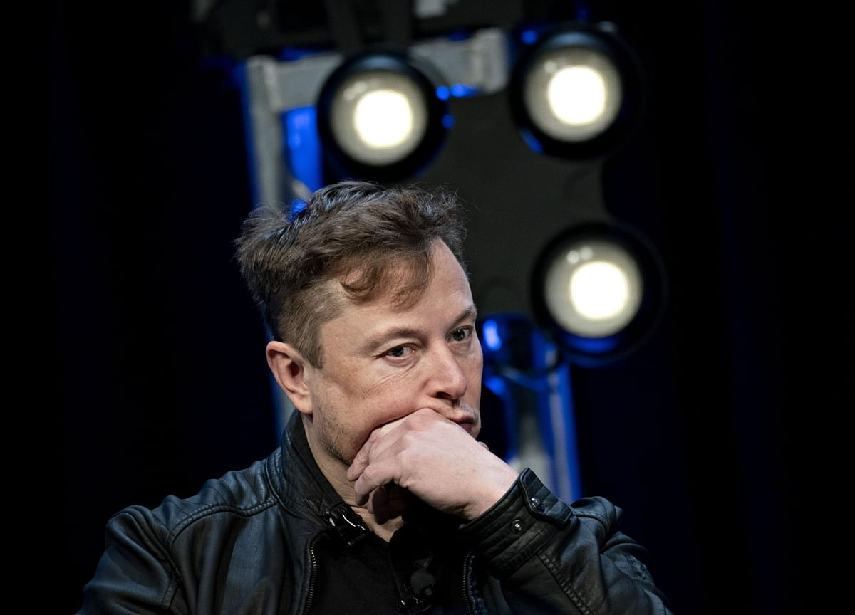 Elon Musk Told Twitter to 'Use Signal.' Investors Plowed Into the Wrong one