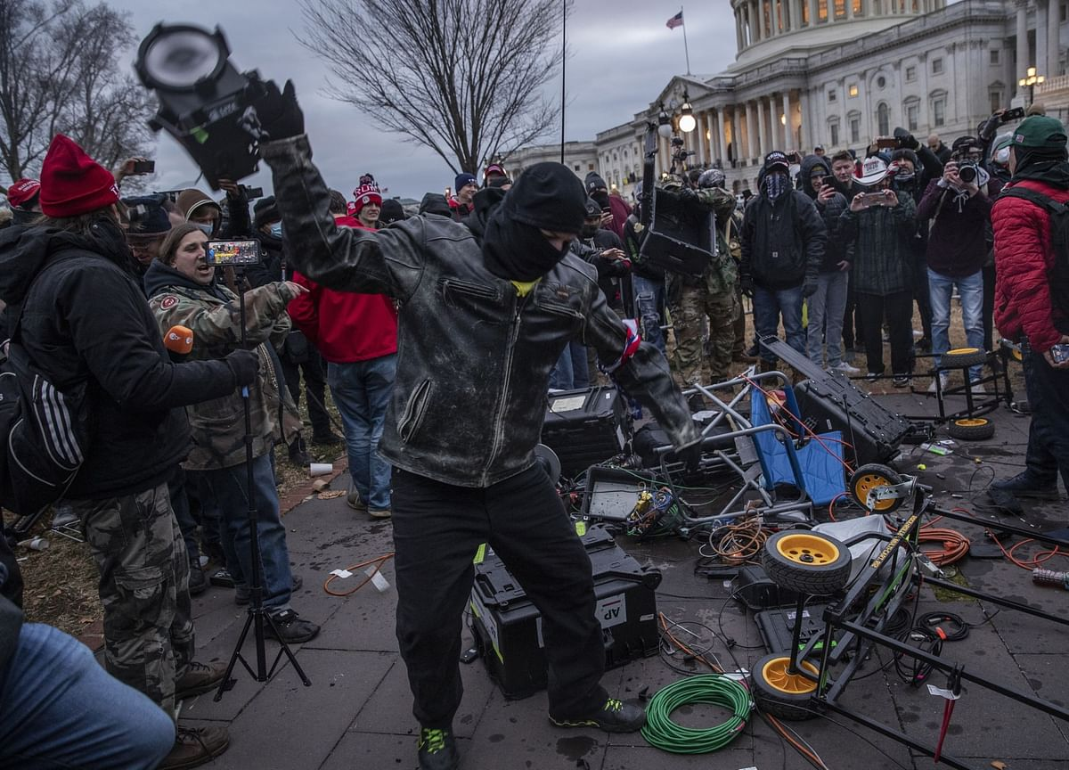 Apple, Amazon Remove Parler After Use in U.S. Capitol Riots