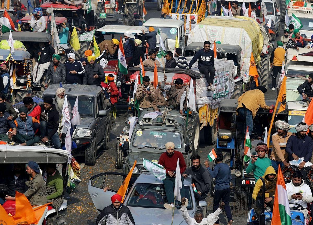 Farmers Pour Into Delhi On Tractors, Horses And Cranes