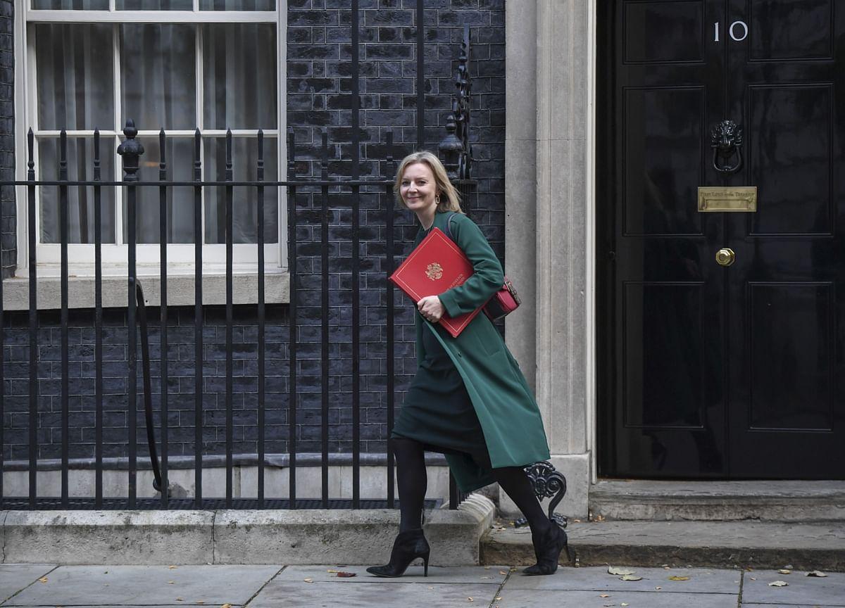 U.K. to Launch Formal Bid to Join Transpacific Trading Bloc
