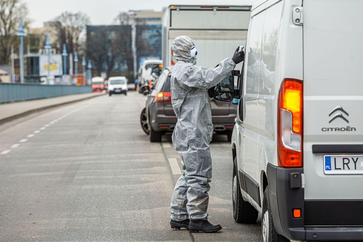 N.Y. Deaths Surge; Germany Weighs Tighter Lockdown: Virus Update