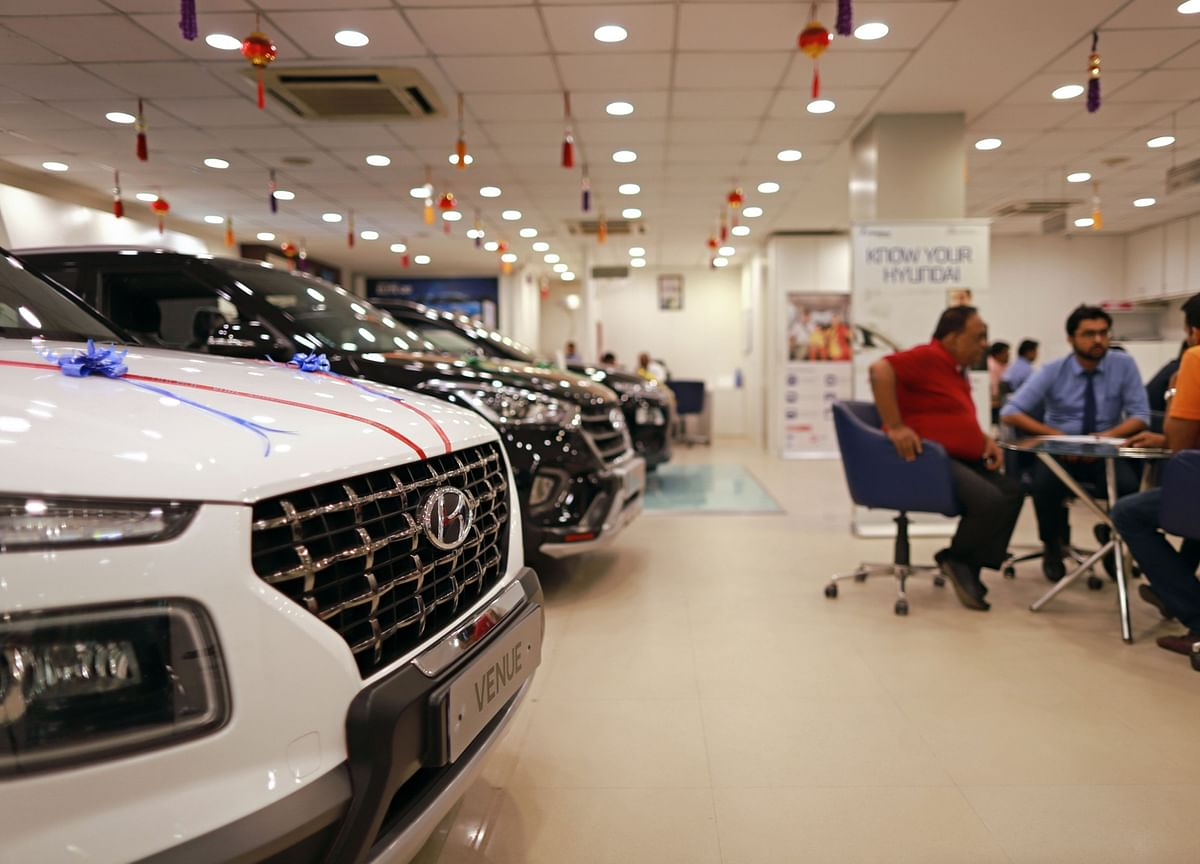 Despite December Growth, Car Sales Behind By Nearly A Decade So Far This Financial Year, Says SIAM