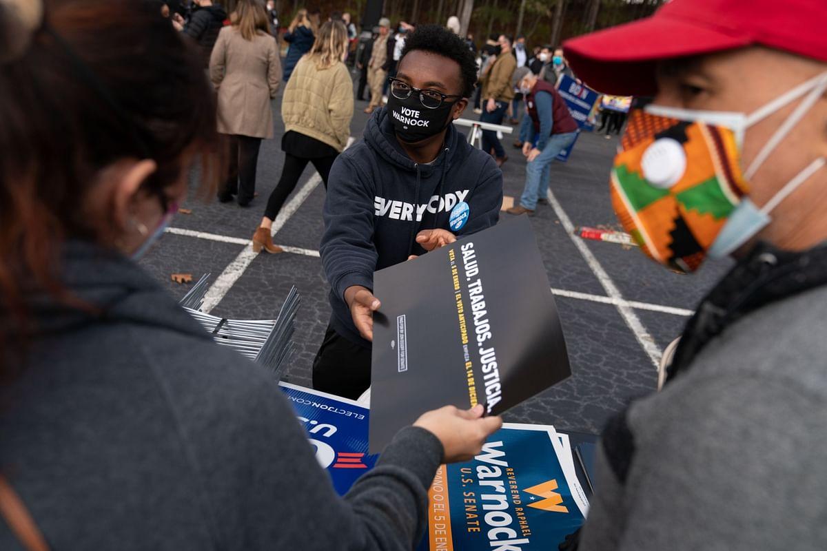 Republicans Target Georgia Latinos in Senate Races' Final Days