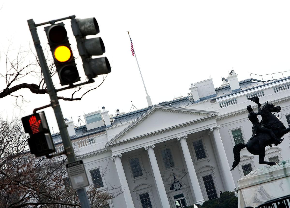 Rising Treasury Yields Flash a Warning Sign
