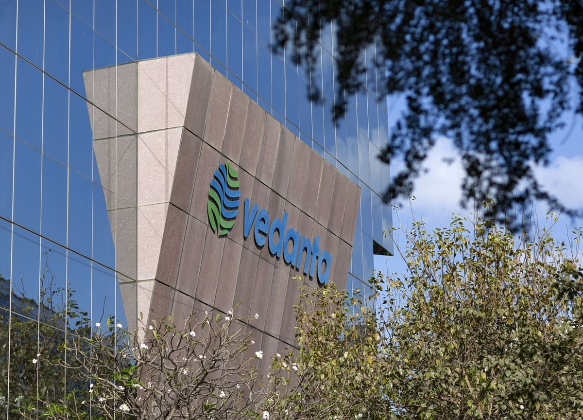 Vedanta Considers Bond Sale Ahead of Open Offer for India Unit