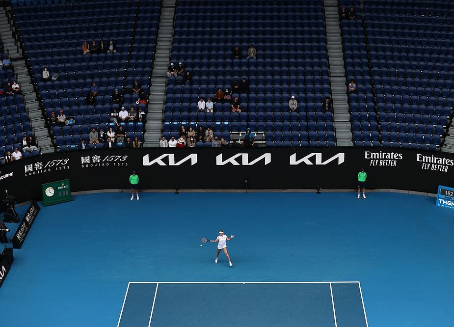 Tennis Grand Slam Opens to Australian Crowds With Covid Rules