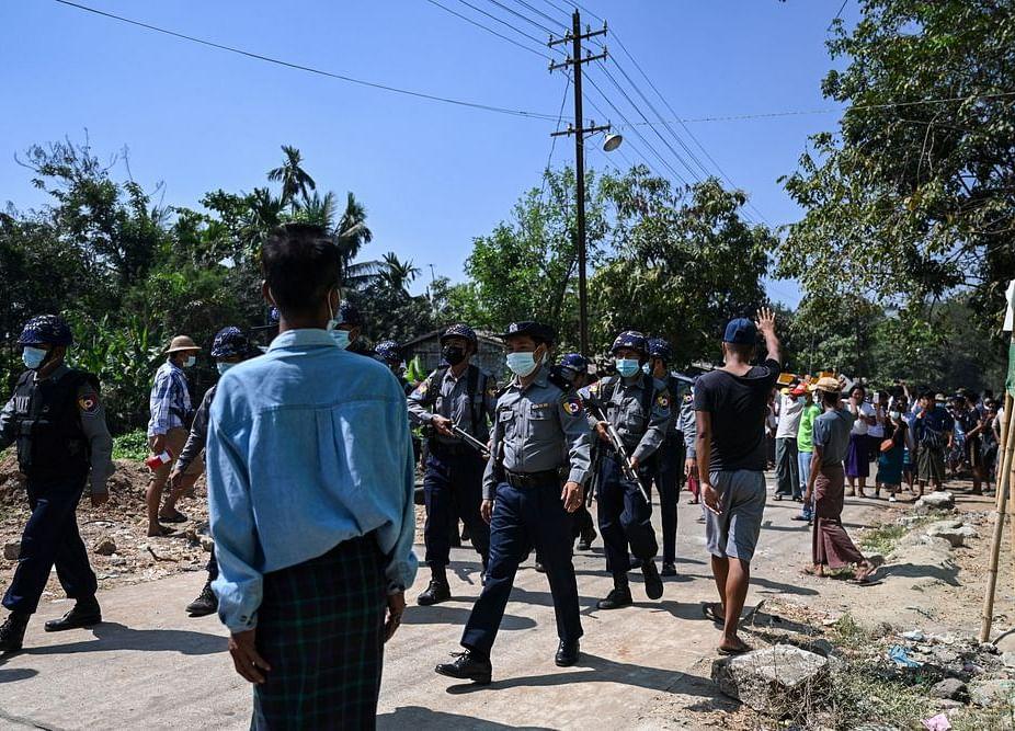 Myanmar Junta Tightens Control, Orders New Internet Blackout