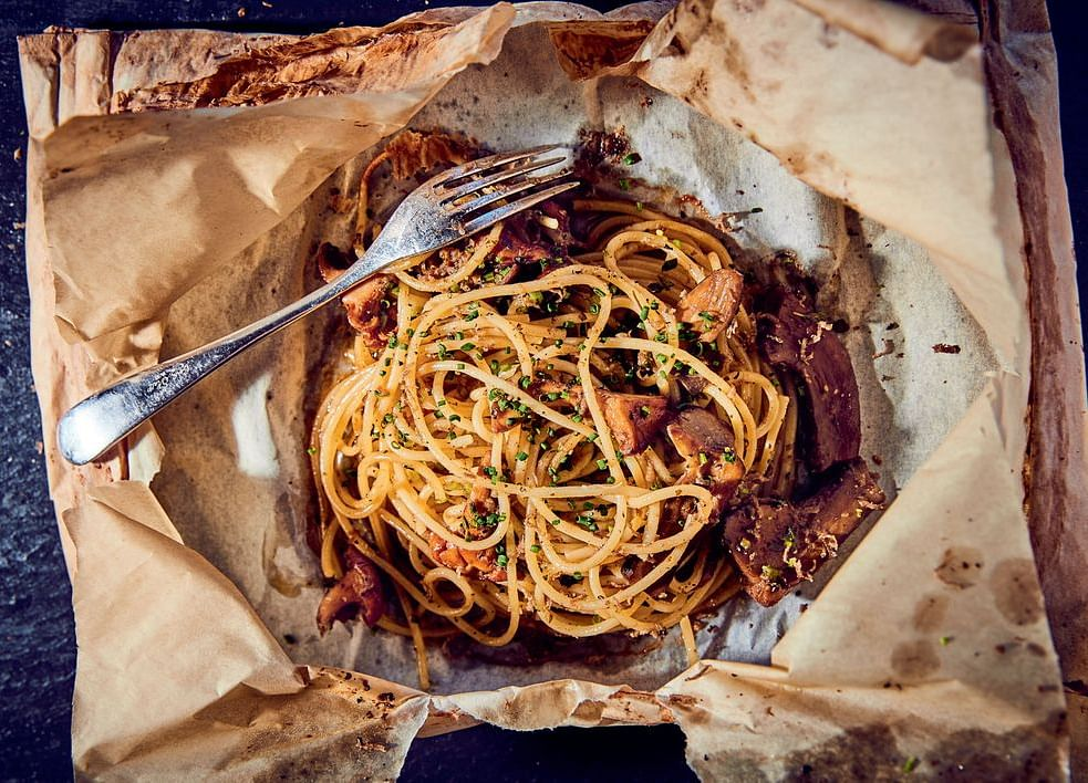 The Perfect Date-Night Pasta Is Spaghetti You Unwrap Like A Gift
