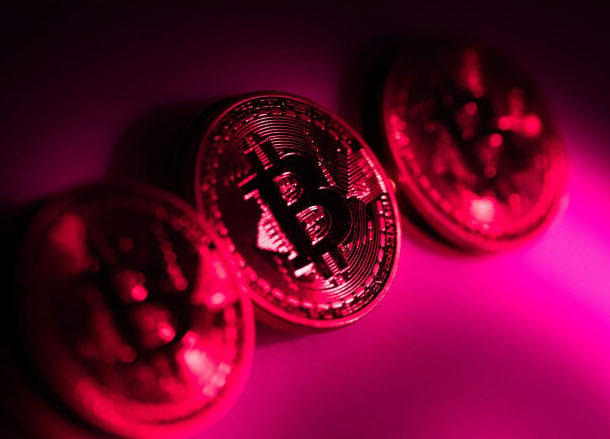 Bitcoin Breaks Through $55,000 as Risk Appetite Revives