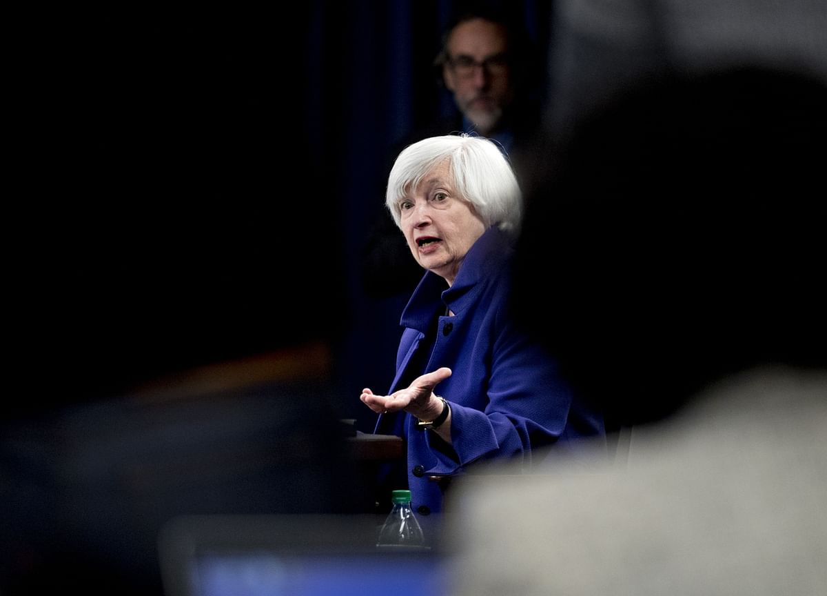 Yellen Sees Full Employment in 2022 With Biden Stimulus Plan