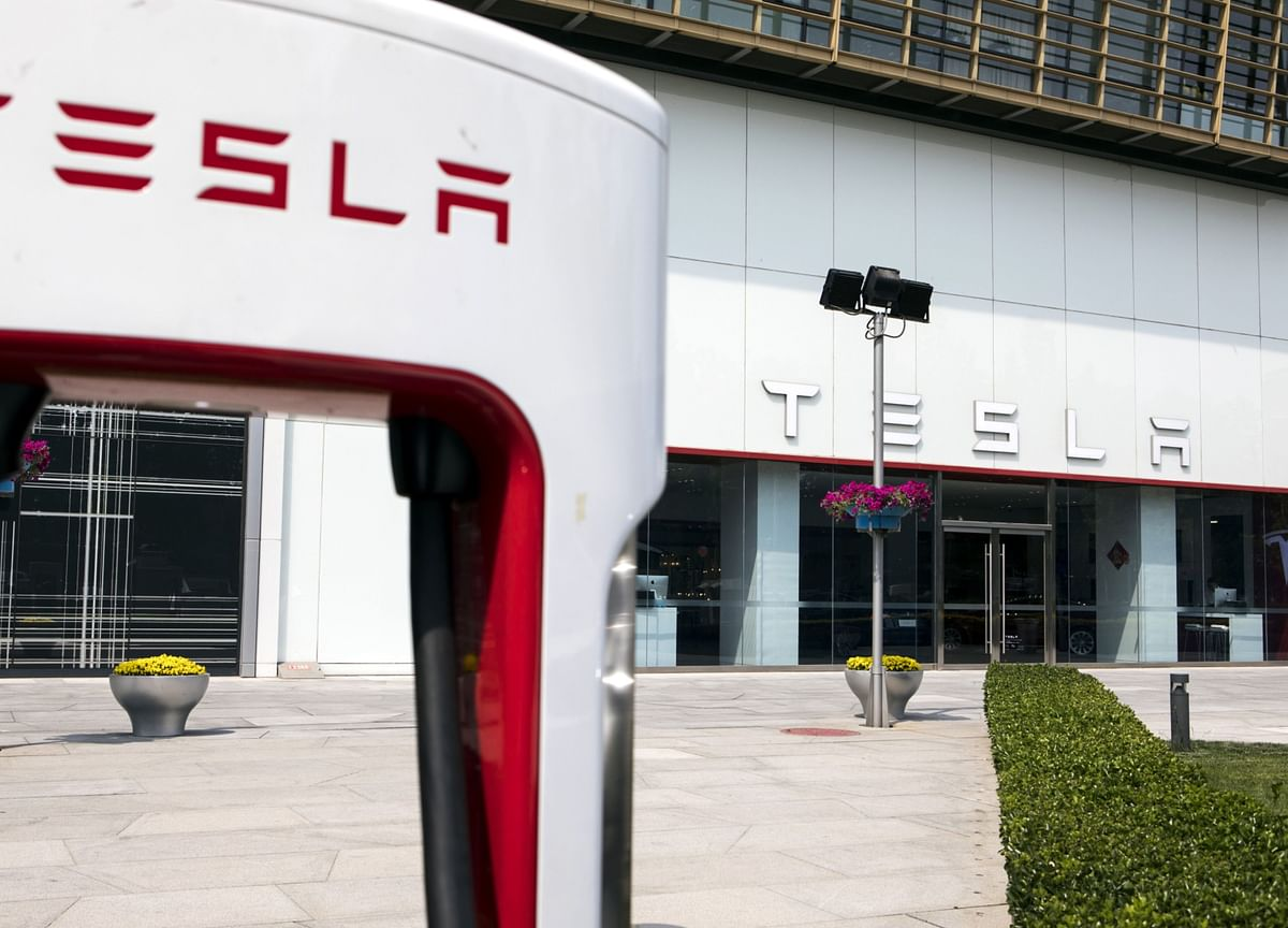 Tesla Summoned by China Regulators Over Quality, Safety Issues