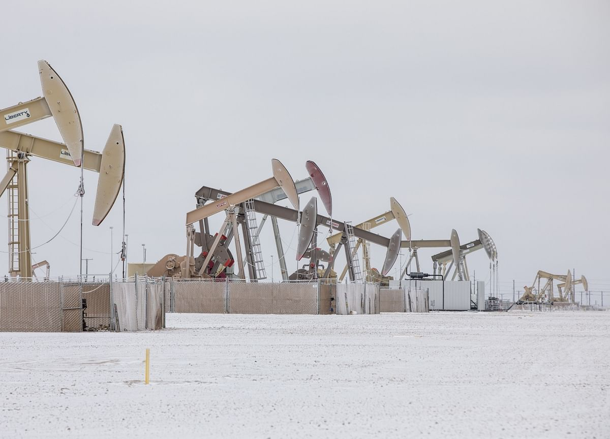 Texas Oil Patch Starts to Resume Operations After Cold Snap