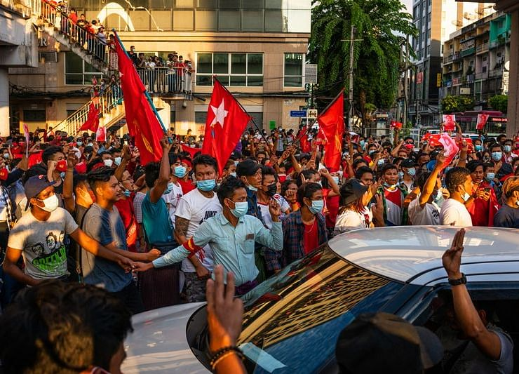 Myanmar Deaths Pile Up With Army, Protesters Not Giving Way
