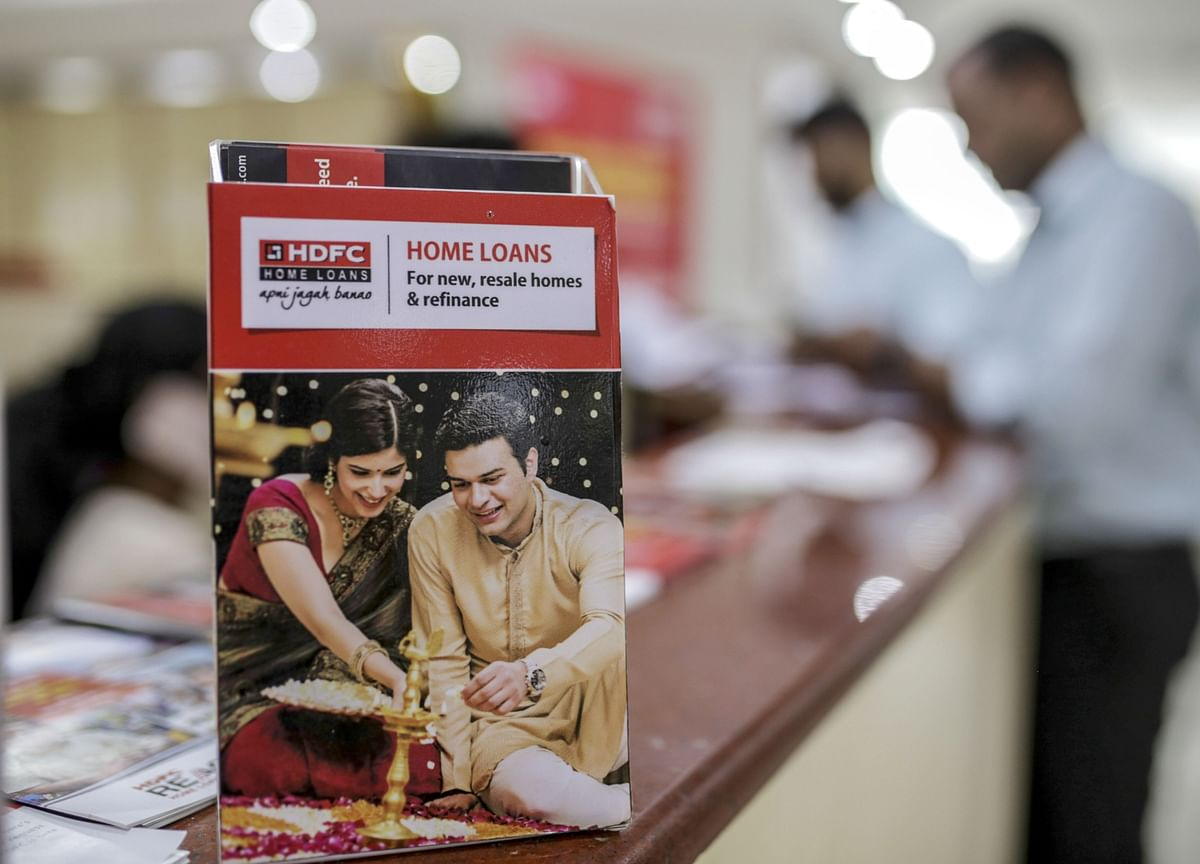 Largest Indian Mortgage Financier May Remain as a Shadow Bank