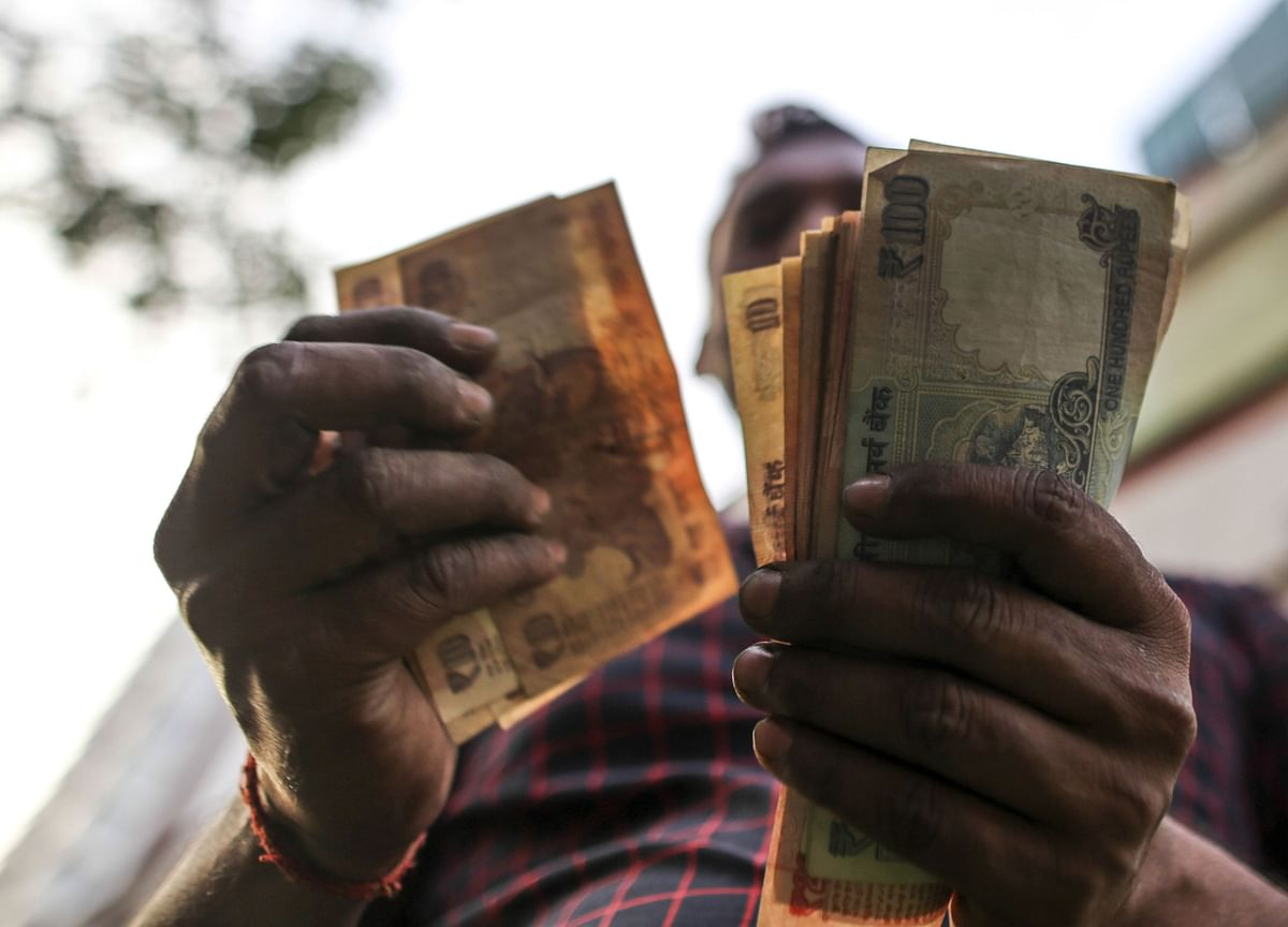 Rupee Only Asia Currency to Gain in Month of Sweeping Losses