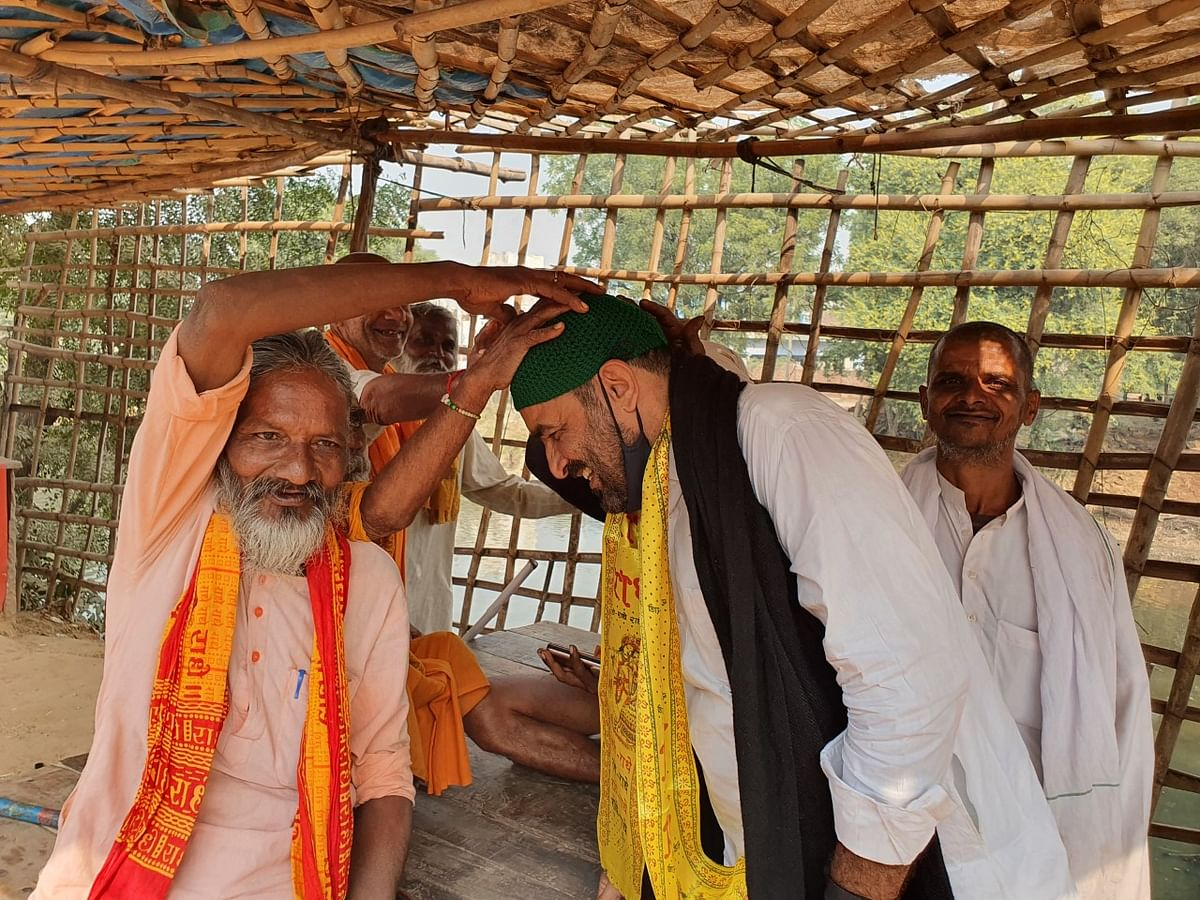 Faisal Khan and Khudai Khidmatgar members visited various Hindu temples in the Mathura region over four days in October 2020. (Photograph: Article 14)