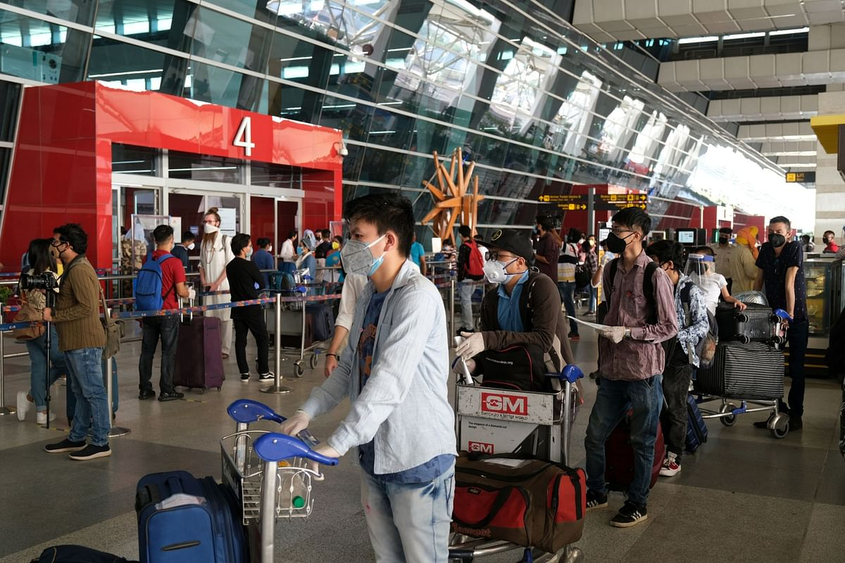 Deboard Those Not Wearing Mask 'Properly' After Repeated Warnings: DGCA Tells Airlines