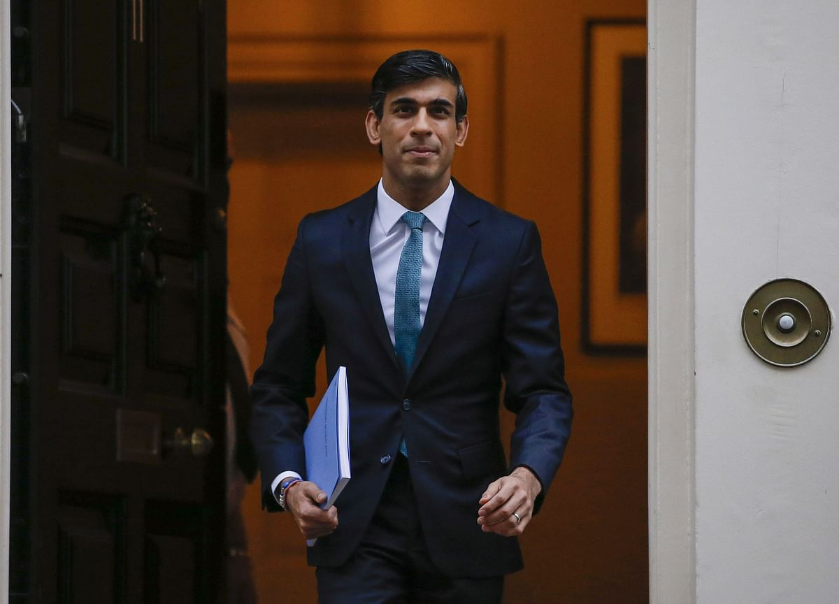 Sunak Vows to Use 'Fiscal Firepower' to Protect U.K. Jobs