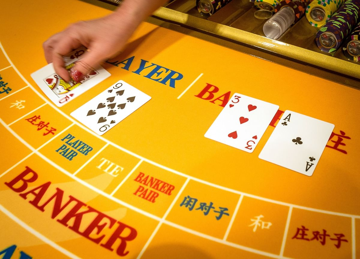 India's 'Casino' Type Midcap Rally May Be Poised for a Break