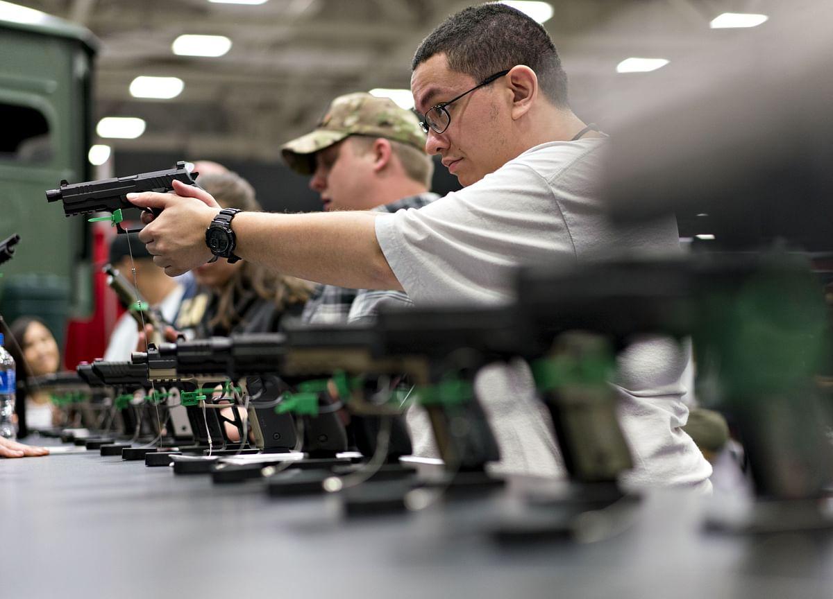 Mass Shootings Give Democrats New Urgency on Gun Control
