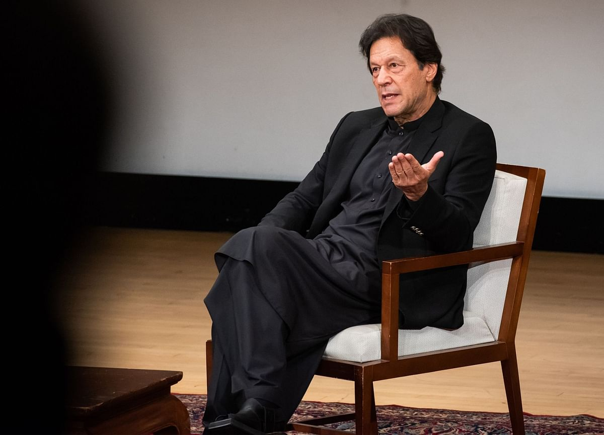 Pakistan Premier Khan Urges India to Make Move Toward Peace