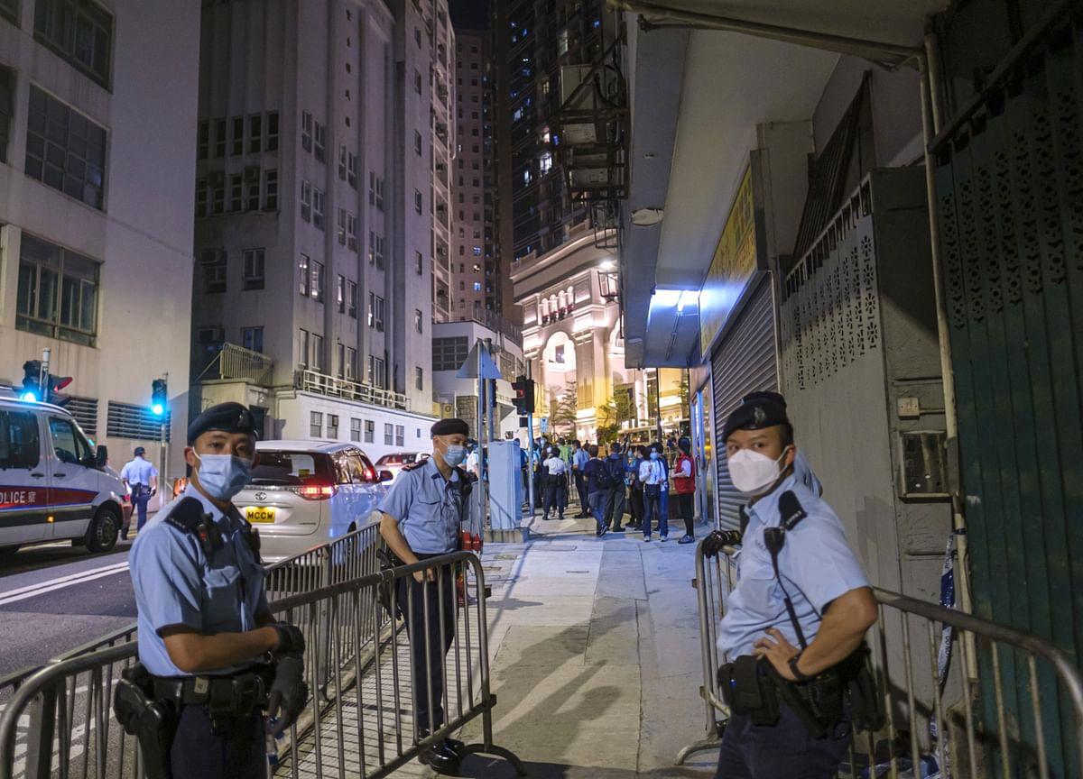 Babies Among Hundreds in Hong Kong Quarantine Amid Outbreak