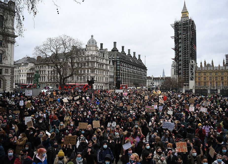U.K.'s Johnson Moves to Defuse Anger Over Police Behavior