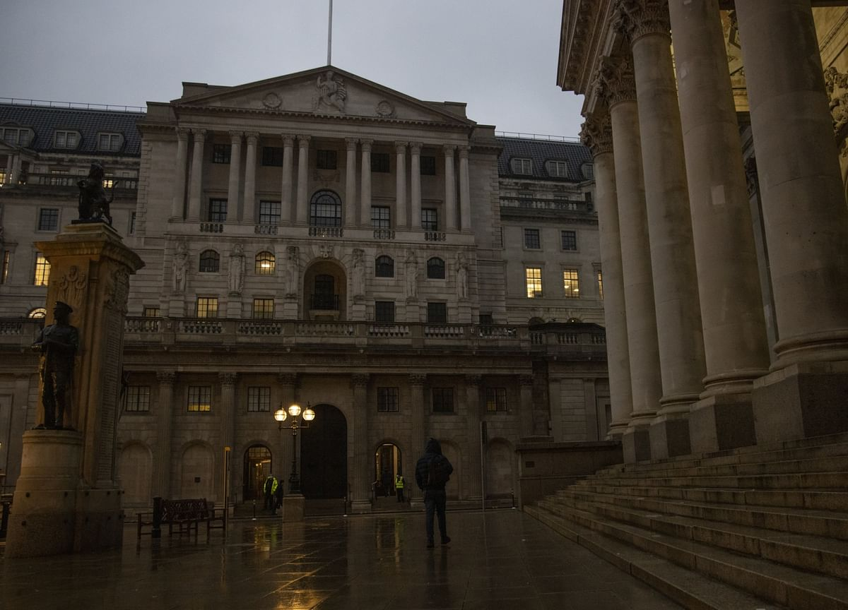Bank of England Breaks From ECB's Effort to Curb Market Rates