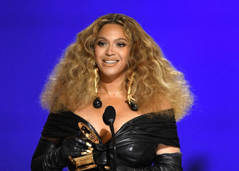 Beyoncé and Taylor Swift Set Records as Women Sweep Grammys
