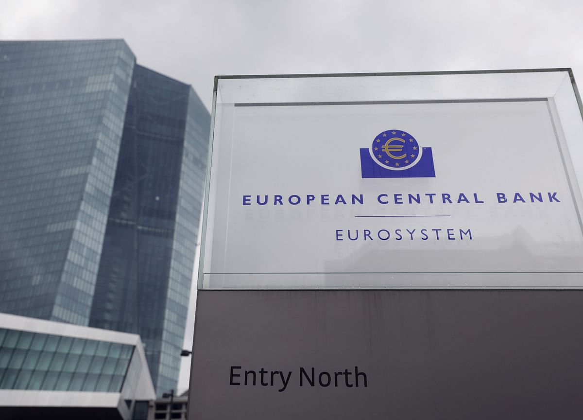 ECB Slows Bond-Buying Despite Strong Warnings on Yields