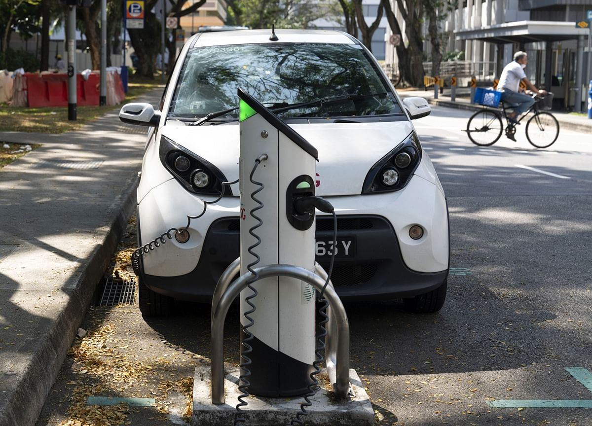 What Carmakers Need to Tell You About Their Electric Plans