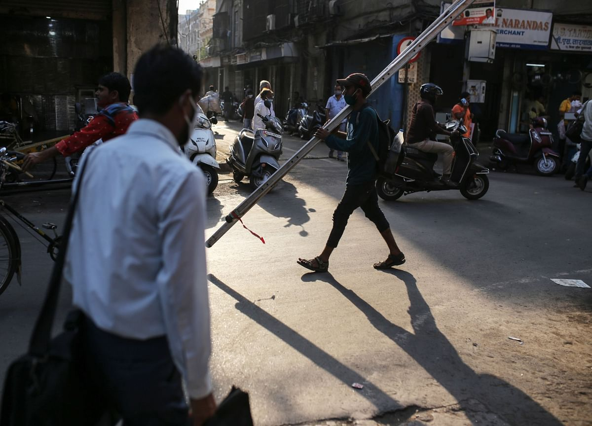 India's Services Activity Expands at Fastest Pace in a Year