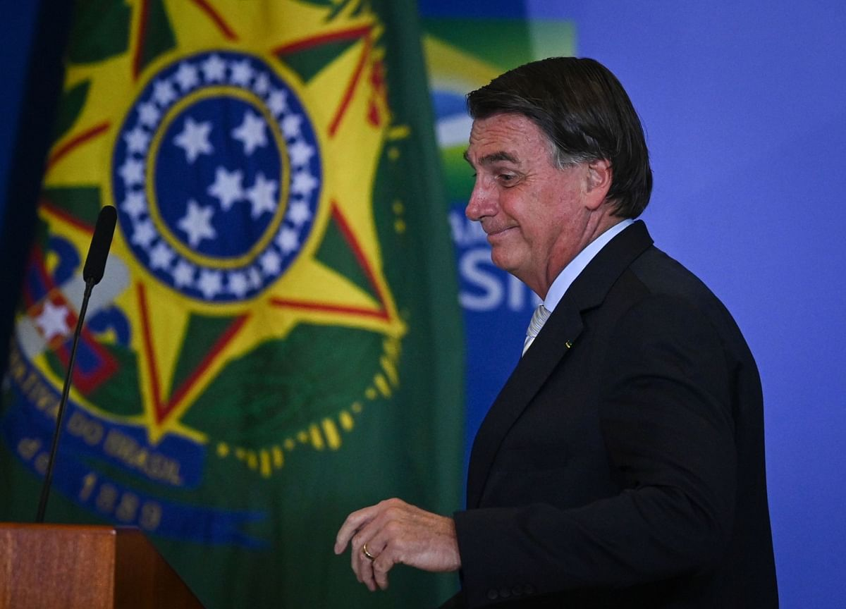 Bolsonaro Seeks Higher Bank Levy to Pay for Fuel Tax Break