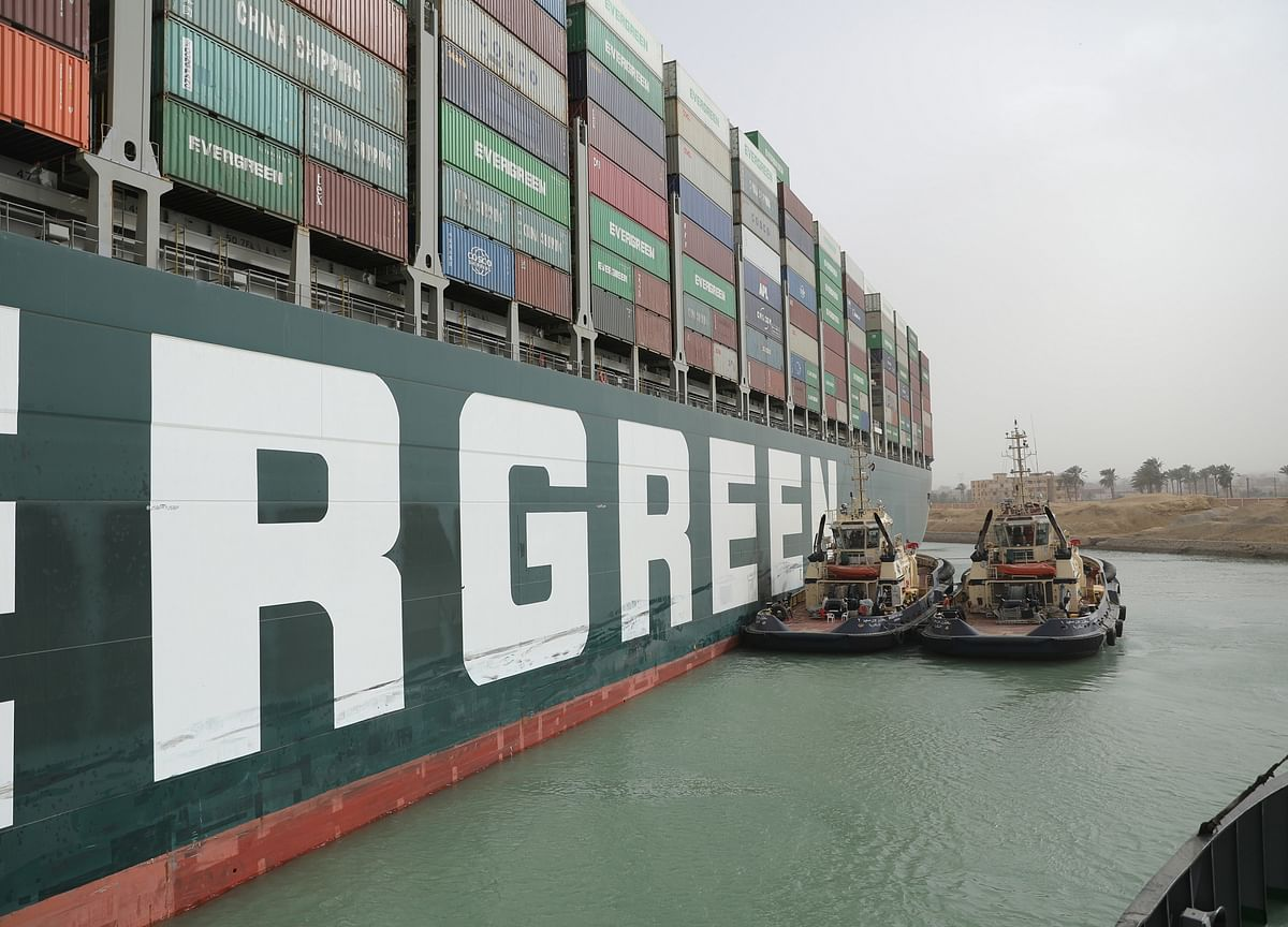 Ship Logjam Doubles With Little Room to Maneuver: Suez Update