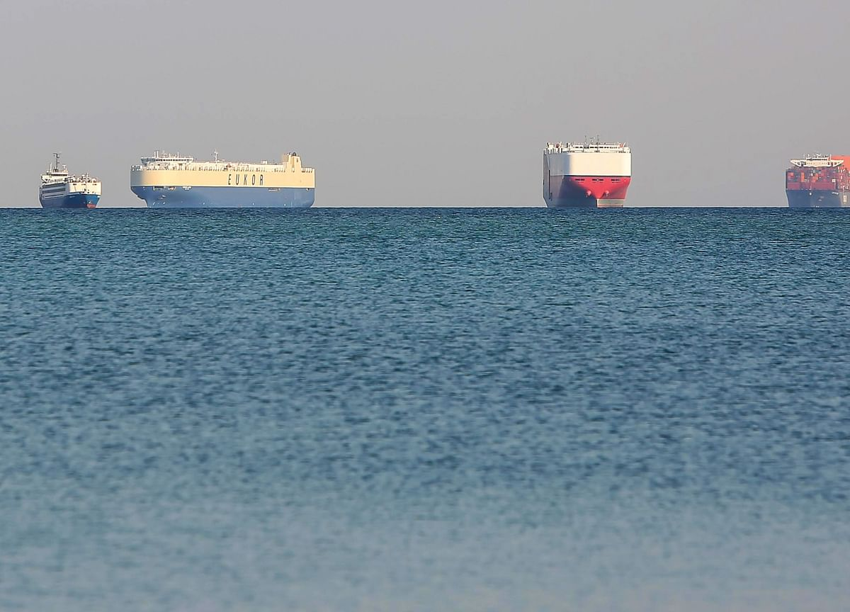 Suez Snarl Seen Halting $9.6 Billion a Day of Ship Traffic