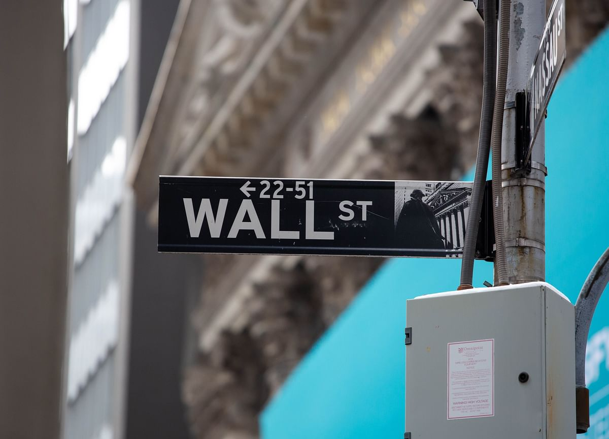 Stumble in Stocks Lacks Easy Explanation for Wall Street Pundits