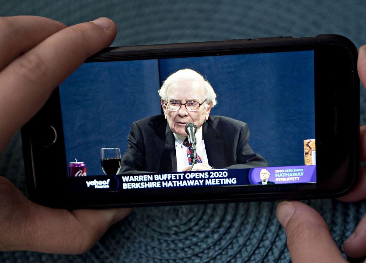 Buffett's Berkshire Returns to Yen Market With 4-Part Bond Sale