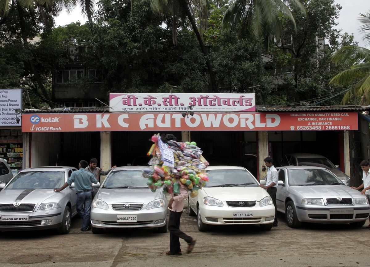 India's Used Car Unicorn Nears $250 Million Deal With DST