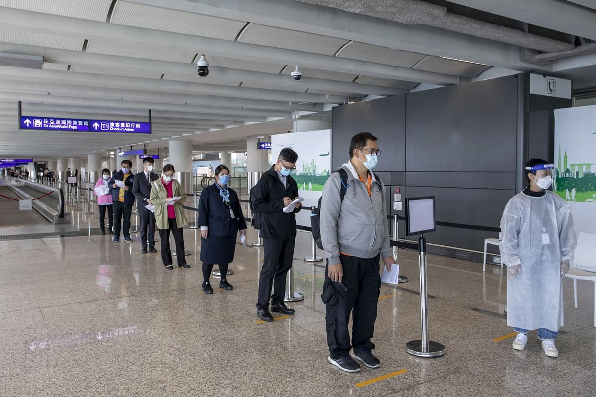 Hong Kong to Ban Flights From the Philippines, India, Pakistan
